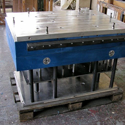 Kernkasten mit Auswerfermechanik